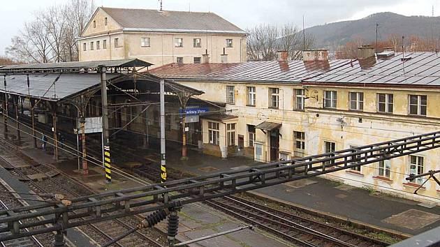 Karlovarské horní nádraží možná výrazně změní svou podobu.