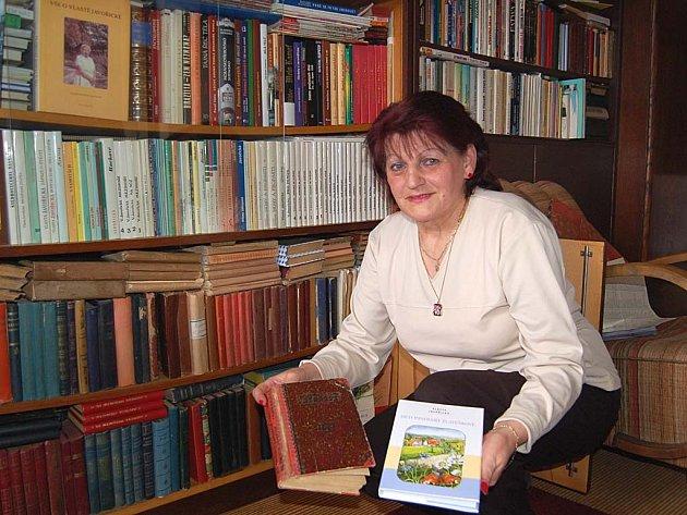 Unikátní sbírka. Sehnat všechna první vydání knih Vlasty Javořické trvalo Marii Spazierové dvacet let.