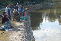 Přírodní koupaliště a zároveň rybářský revír. To je případ karlovarské Rolavy, o kterou se sterejí členové Českého rybářského svazu, Místní organizace Karlovy Vary.