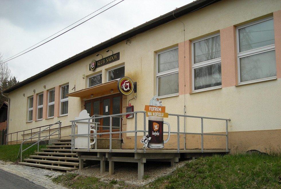 Dvacet let od požáru kulturního domu v Sadově