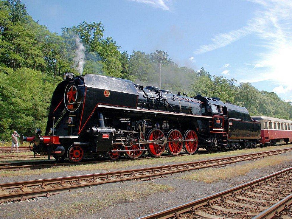 Parní lokomotiva řady 475 Šlechtična