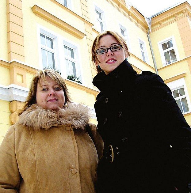 Po zakladatelce DOP–HC Dolní Rychnov Marii Scholzové řídí nyní léčebnu její dcery Sabina Hajná a Magdaléna Scholzová.