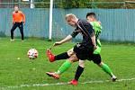 V derby se Sedlecem uhrály Dalovice (v zeleném) nerozhodný výsledek 1:1, když poté neuspěly penaltovém rozstřelu.