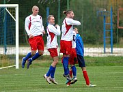 Tři body z Lubů si odvezli borci Hrozňatova (ve černo-modrém) za výhru 5:1.