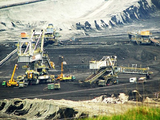 Sokolovská uhelné snižuje stavy zaměstnanců a nabízí lidem tučné odchodné.