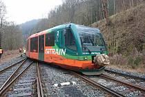 Osobní vlak společnosti GW Train vykolejil při vjezdu do zastávky v Krásném Jezu na samovratné výhybce.