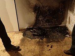 Hořelo ve sklepních prostorách, nikam dál se oheň nerozšířil.