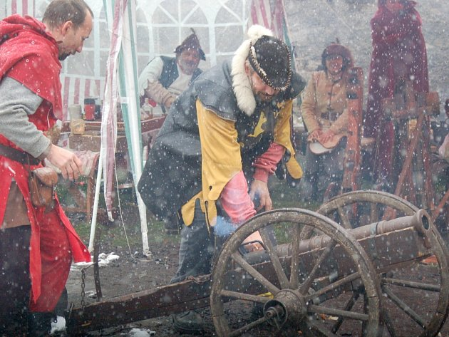 Loučení se sezonou nepřálo na Horním hradě počasí.