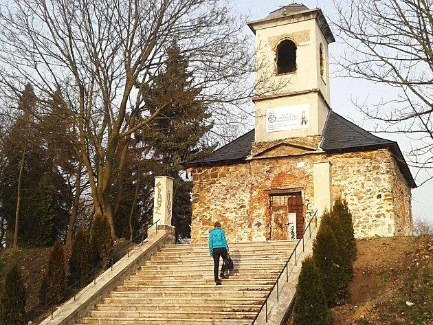 Kostel svatého Urbana v Karlových Varech je jednou z památek, o níž lidí hlasují.