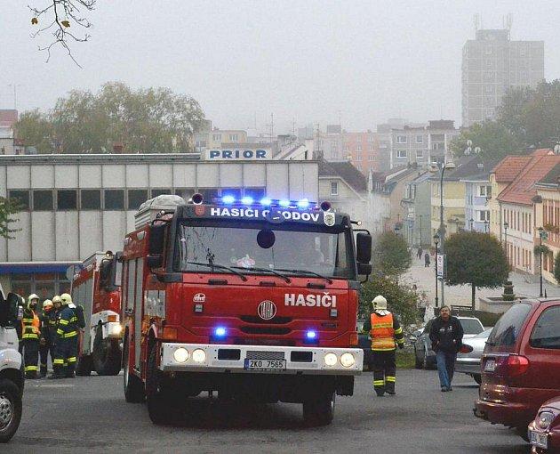 Hasiči likvidovali cvičně požár věže kostela