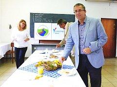 O značku Dobrota Karlovarského kraje, která bude letos udělována poprvé, usiluje 18 producentů potravin z regionu. Do soutěže přihlásili celkem 82 výrobků v pěti kategoriích, které posuzovala pětičlenná hodnotitelská komise.