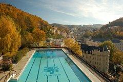 Není to tak dlouho, kdy byl bazén chloubou Karlových Varů.