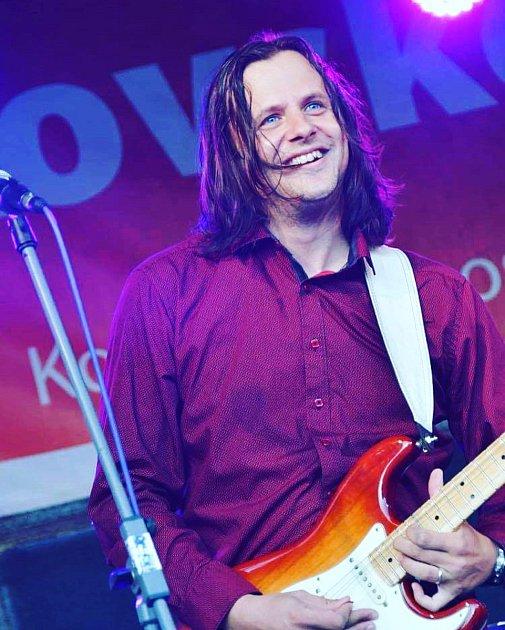 Věřím, že hudba léčí a spojuje lidi a rocková obzvlášť.