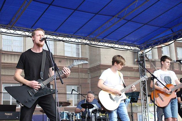 Na festivalu v Ostrově se sešla řada hudebních talentů.
