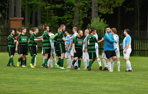 Oficiálně prvním kolem odstartoval ovíkendu fotbalový Covid Cup 2021.