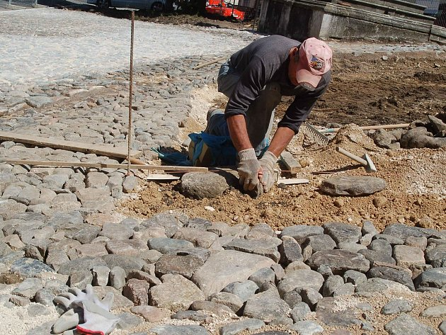 PODOBNÝ POHLED na stavební úpravy bečovského náměstí bude opět k vidění.
