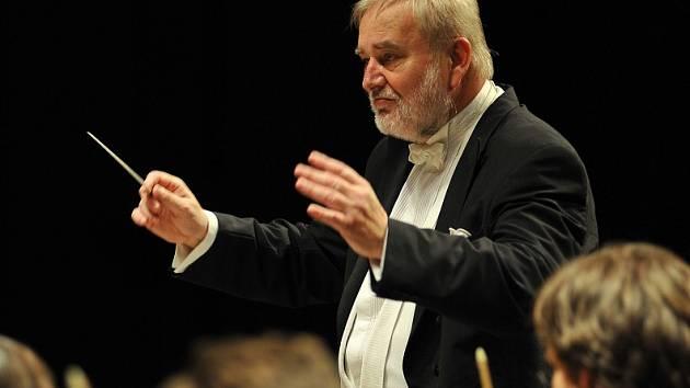 Dirigent František Drs s KSO.