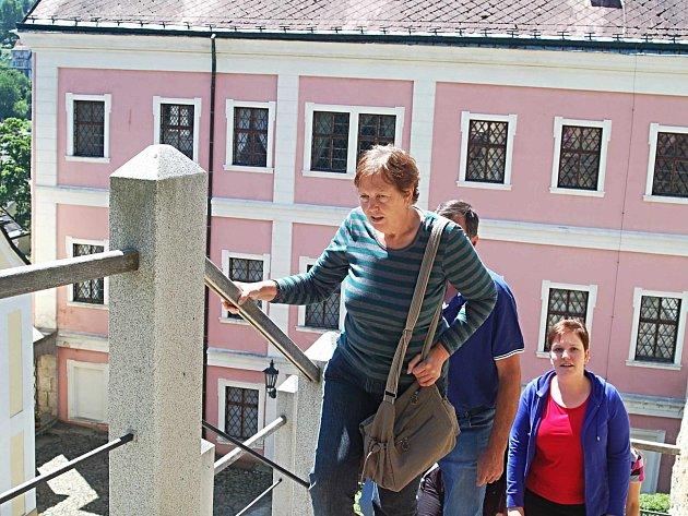 BEČOVSKÝ zámek a hrad se těší velkému zájmu návštěvníků. Láká je sem nejen unikátní relikviář svatého Maura, ale také zajímavý tematický program, který je každoročně připravován.