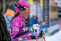 Kateřina Smutná, jednička eD system Bauer Teamu, absolvuje se svými kolegy z týmu na závěr Visma Ski Classics náročný stokilometrový závod Arefjällsloppet.