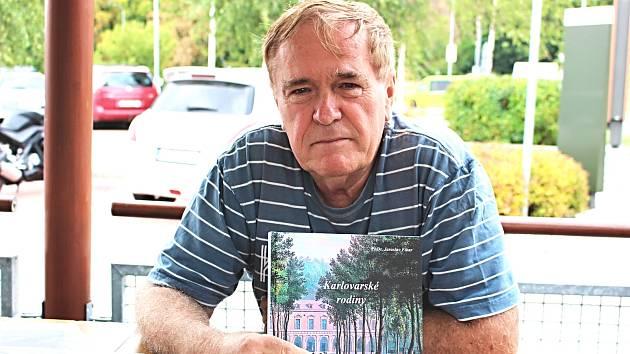 Novinář, místní autor a vášnivý hledač pikantností regionální historie PhDr. Jaroslav Fikar.