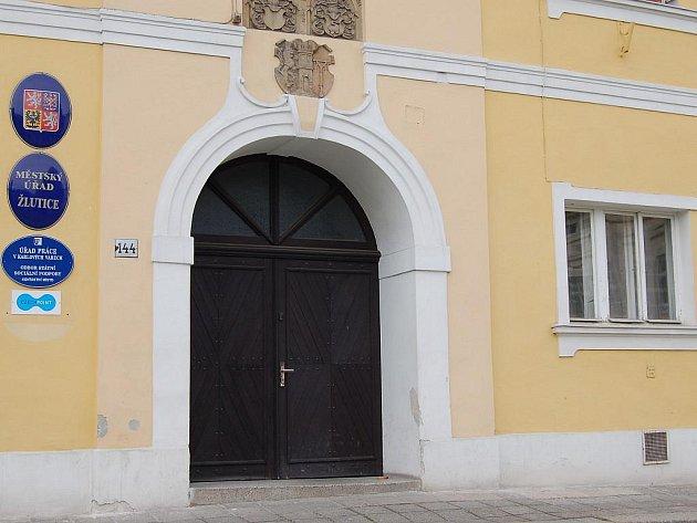 Městský úřad Žlutice.