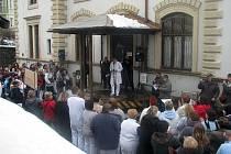 Problémy v nemocnici jen tak neskončí. Už začátkem letošního roku Lékařský odborový klub uspořádal výstražný protest kvůli přesčasovým hodinám (na snímku).