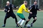 Zleva: Daniel Novák, Martin Heller (žlutá) a Milan Čičnár