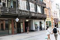 KLUB AEROPORT. V někdejším hotelu Passage bude festivalový klub, z jehož umístění v centru mají někteří lidé obavy.