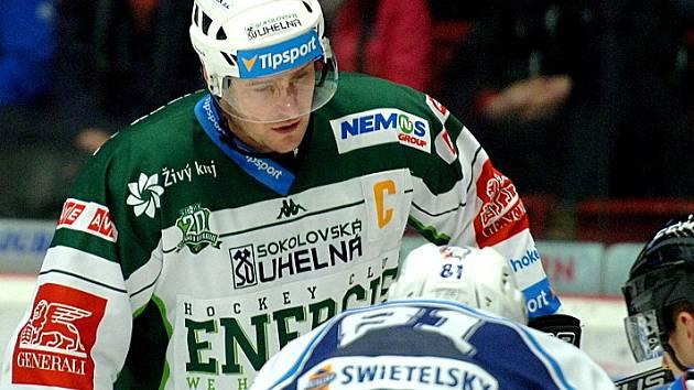 Kapitán HC Energie Václav Skuhravý