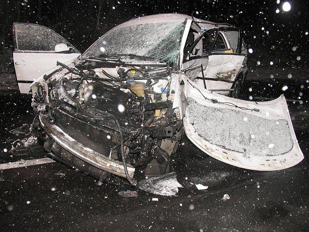 Wolkswagen, ve kterém zahynul osmadvacetiletý řidič.