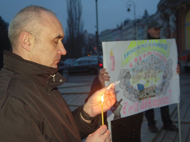 Shromáždění na podporu demokratických změn na Ukrajině o uctění obětí represí.
