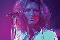 Zpěvák David Coverdale je zakladatelem skupiny. Poslavilo ho však i účinkování v kapele Deep Purple a spolupráce s kytaristou Led Zeppelin Jimmym Pagem.
