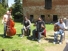 Romská kapela Bachtale Apsa.