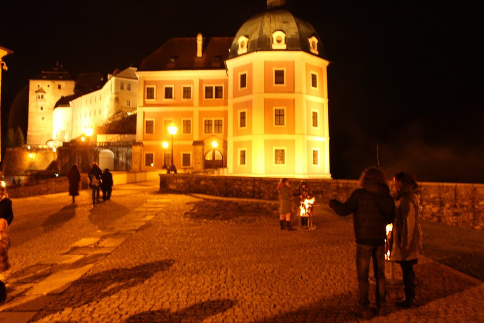 Půlnoční mše na zámku v Bečově.