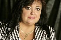 DANA NEUMANNOVÁ, ředitelka Karlovarského městského divadla, zve každý rok nejlepší divadelníky z celé země.