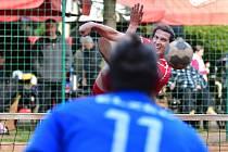 Extraligový bronz si připsali na konto nohejbalisté SK Liapor Karlovy Vary, kteří v semifinále ztroskotali na výběru Čakovic, který si tak okusí nástrahy Superfinále.