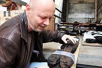 Vzácný archeologický nález, dřevo z Vladaře, se vrátil do Žlutic.