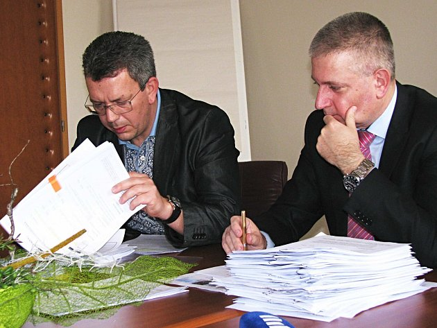 V NOVÉM vedení Karlovarského kraje se po velkých změnách sešli sociální demokraté Martin Havel jako hejtman a Jakub Pánik coby jeho první náměstek (zprava).