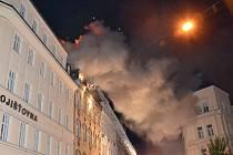 Požár domu v karlovarské Jaltské ulici.