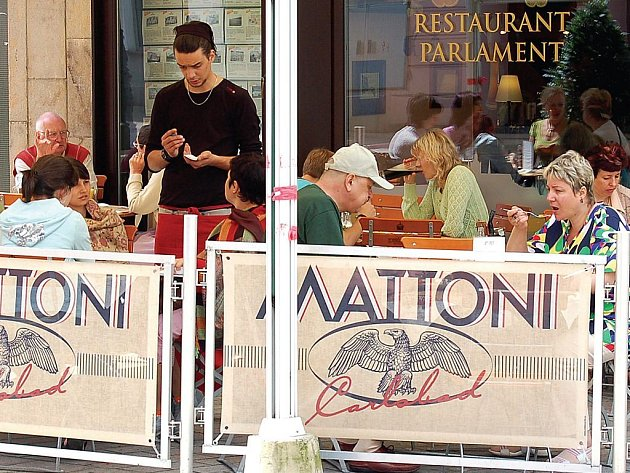 Spropitné v restauracích ano čii ne.