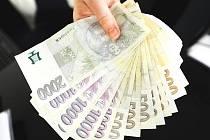 Průměrná hrubá mzda v Karlovarském kraji v prvním čtvrtletí klesla.
