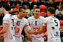 Marcel Lux (číslo 10) prodloužil volejbalový kontrakt v Karlovarsku, těšit se tak může například na vystoupení v Lize mistrů.