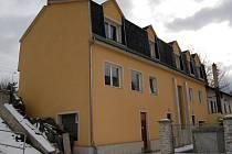 V pronajatém bytě v domě rodiny Orthových na Mattoniho nábřeží žili manželé Kolečkovi.