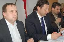 Náměstek Petr Keřka, primátor Werner Hauptmann a náměstek Tomáš Hybner.