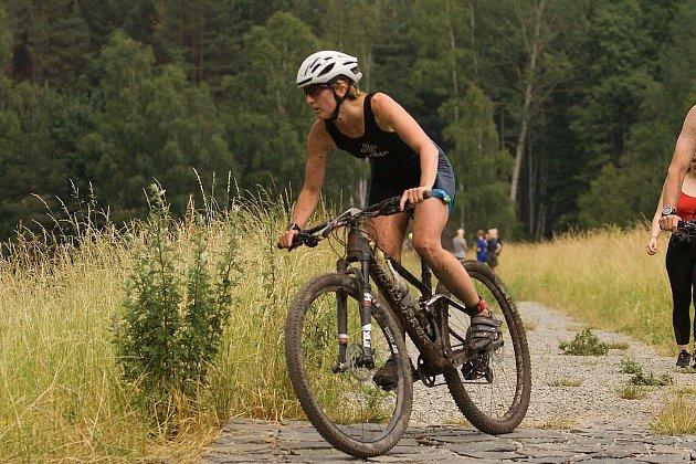 Nejdecká triatlonistka dominovala vzávodě vterénním triatlonu XTERRA, ve kterém si zajistila účast na mistrovství světa.