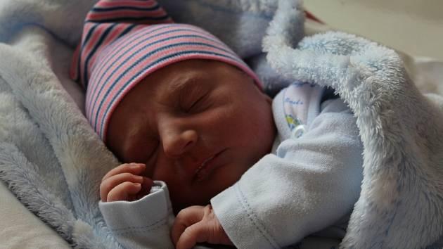 Daniel Csipka ze Sokolova se narodil 3. září 2020 v porodnici v Karlových Varech.