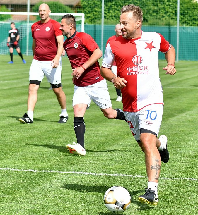První derby pražských S, které se odehrálo v Sedleci v roce 2007, skončilo po výsledku 9:9 dělbou bodů, v tom druhém to dopadlo stejně, když se body po výsledku 6:6 dělily.