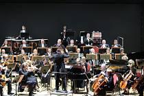 Karlovarský symfonický orchestr uvedl další z koncertů v rámci Dvořákova karlovarského podzimu.