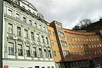 PRODAT, ČI NEPRODAT bývalé policejní budovy v ulici I. P. Pavlova (na snímku)? Tak to bude jeden z bodů dnešního patrně dosti rušného jednání Zastupitelstva města Karlovy Vary.