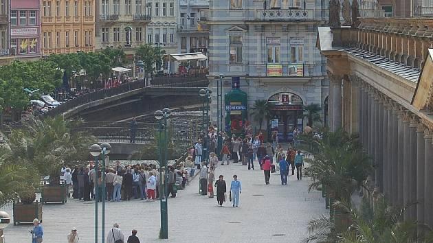 Karlovy Vary vyhledávají cizinci. Naopak česká klientela nejraději jezdí na jižní Moravu.